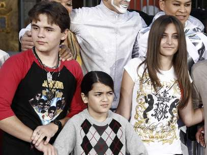 Michael Jackson's three children; Prince, Paris and Blanket. Foto: AP