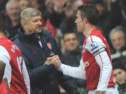 El tcnico del Arsenal cuenta con Van Persie en el Arsenal. Foto: Getty Images