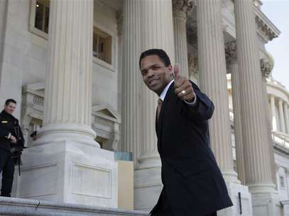 Rep. Jesse Jackson, Jr. (D-IL) appears on the U.S. Capitol steps in Washington December 2, 2011. Foto: Yuri Gripas / Reuters In English