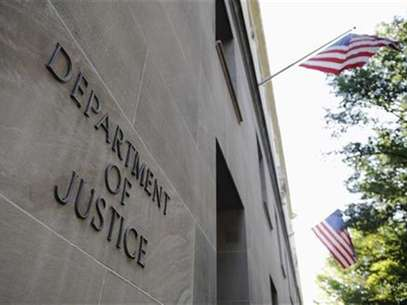 The exterior of the Department of Justice headquarters building in Washington, July 14, 2009. Foto: Jonathan Ernst / Reuters In English
