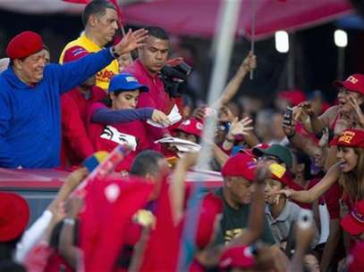 Venezuela's President Hugo Chavez speaks during a news conference in Caracas August 1, 2012. Foto: Handout / Reuters In English