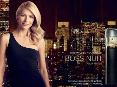 Gwyneth Paltrou usa vestido preto de ombro único em nova campanha  Foto: Divulgação
