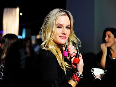 """Vaidosa, ela contou que adora """"coisas de mulherzinha"""", mas já foi mais preocupada com a beleza a ponto de não sair de casa sem rímel Foto: Léo Pinheiro / AgNews"""