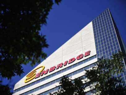The Enbridge Tower is pictured on Jasper Avenue in Edmonton August 4, 2012. Foto: Dan Riedlhuber / Reuters In English