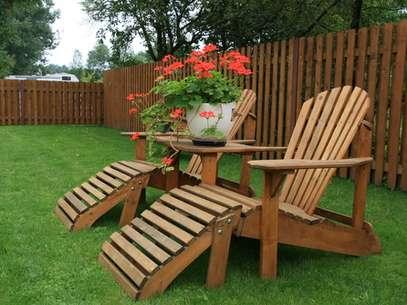 É recomendável passar óleo de peroba ou linhaça todos os meses na madeira Foto: Rimantas Abromas/Shutterstock