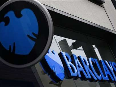 A logo of Barclays bank is seen outside a branch in Altrincham, northern England April 26, 2012. Foto: Phil Noble / Reuters In English