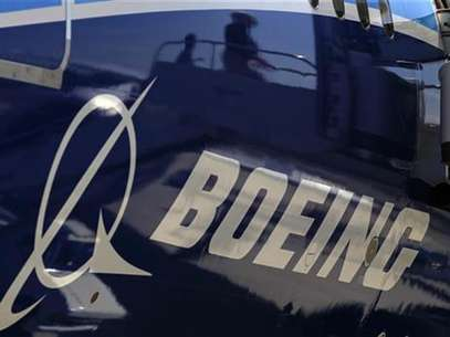 The Boeing logo is seen on a Boeing 787 Dreamliner airplane in Long Beach, California March 14, 2012. Foto: Lucy Nicholson / Reuters In English