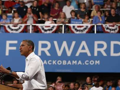 U.S. President Barack Obama speaks at a campaign event at the B.R. Miller Middle School in Marshalltown, Iowa, August 14, 2012. Foto: Larry Downing / Reuters In English