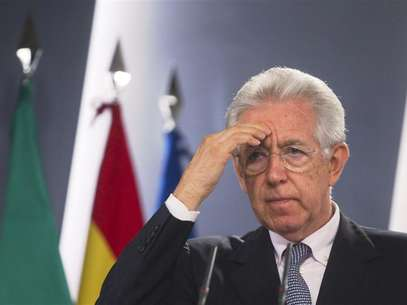 Italy's Prime Minister Mario Monti gestures during a news conference at the Moncloa Palace in Madrid August 2, 2012. Foto: Juan Medina / Reuters In English