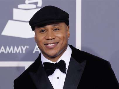 Rapper LL Cool J arrives at the 54th annual Grammy Awards in Los Angeles, California, February 12, 2012. Foto: Danny Moloshok / Reuters In English