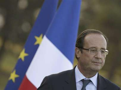 France's President Francois Hollande gives his speech during his visit to the Evian water bottling plant in Evian, September 7, 2012. Foto: Philippe Wojazer / Reuters In English