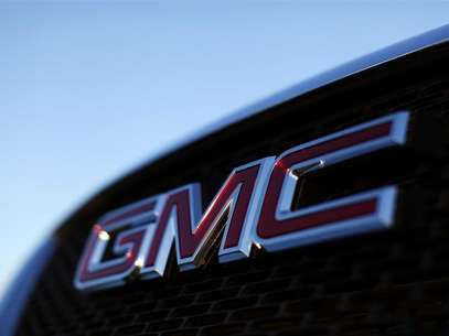 A General Motors logo is seen on a vehicle for sale at the GM dealership in Carlsbad, California January 4, 2012. Foto: Mike Blake / Reuters In English