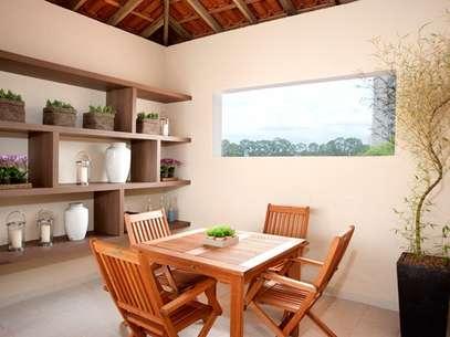 Situada normalmente nos fundos do terreno, a edícula pode se tornar uma casa independente da construção principal  Foto: Divulgação: André Godoy