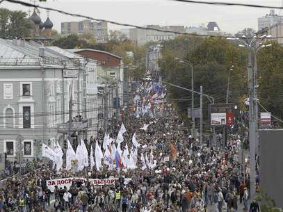 Opposition supporters take part in the &quot;March of Millions&quot; protest rally in Moscow, September 15, 2012. Protesters demanded Russia's President Vladimir Putin to resign, authorities to release political prisoners and to reconduct parliamentary and presidential elections, according to participants. Foto: Maxim Shemetov / Reuters In English