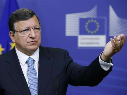 European Commission President Jose Manuel Barroso addresses a news conference after meeting Egypt's President Mohamed Mursi (unseen) at the EU Commission headquarters in Brussels September 13, 2012. Foto: Francois Lenoir / Reuters In English