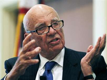 News Corp Chairman and CEO Rupert Murdoch gestures as he speaks at the &quot;The Economics and Politics of Immigration&quot; Forum in Boston, Massachusetts August 14, 2012. Foto: Jessica Rinaldi / Reuters In English