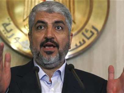 Hamas leader Khaled Meshaal speaks during a news conference after his meeting with Egypt's President Mohamed Mursi (not pictured) at the presidential palace in Cairo July 19, 2012. Foto: Amr Abdallah Dalsh / Reuters In English