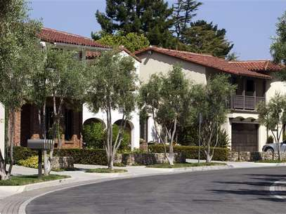 Homes that are valued at over $1 million, sit along Bersano Lane in Los Gatos, California September 6, 2012. Foto: Norbert von der Groeben / Reuters In English