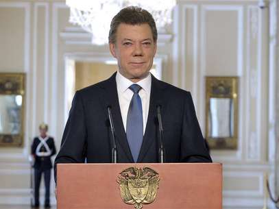 Colombia's President Juan Manuel Santos looks on during a national televised speech at presidential palace in Bogota September 4, 2012. Foto: Javier Casella / Reuters In English