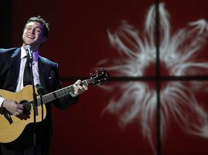 Singer Phillip Phillips performs during the Glamour Magazine Women of the Year Awards event in New York November 12, 2012. Foto: Carlo Allegri / Reuters