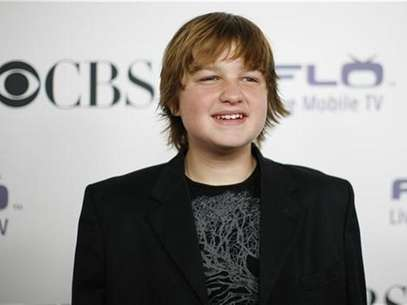 Actor Angus T. Jones poses at the CBS comedies' season premiere party in Los Angeles September 17, 2008. Foto: Mario Anzuoni / Reuters