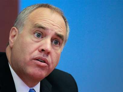 New York State Comptroller Thomas DiNapoli speaks during an interview with Reuters in New York, October 18, 2010. Foto: Brendan McDermid / Reuters