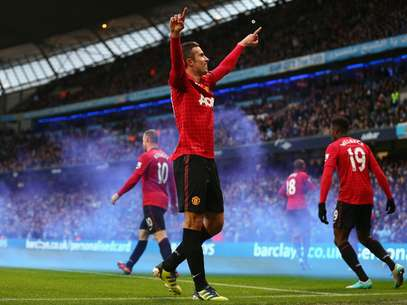 Robin Van Persie marcou no final e deu a vitória ao Manchester United Foto: Getty Images