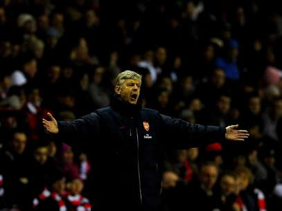 Wenger faces among the biggest challenges of his Arsenal career trying to right the Gunner ship. Foto: Getty Images
