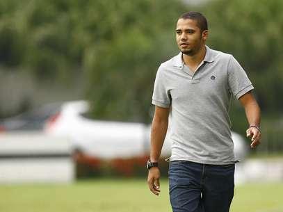 Volante reitera desejo de permanecer no Santos; Grêmio também demonstrou interesse Foto: Ricardo Saibun/Divulgação / Divulgação