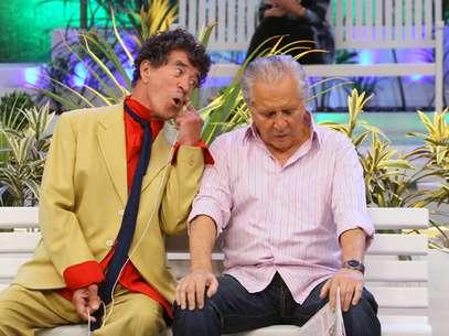 Na foto, Clayton Silvacontracena com Carlos Alberto de Nóbrega Foto: SBT / Divulgação