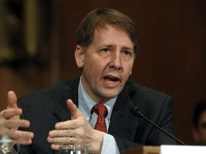 "Consumer Financial Protection Bureau Director Richard Cordray testifies before a Senate Banking, Housing and Urban Affairs Committee hearing on ""Holding the CFPB Accountable: Review of First Semi-annual Report"" on Capitol Hill in Washington January 31, 2012. Foto: Kevin Lamarque / Reuters"