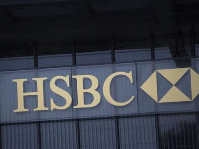 The logo of HSBC is seen on a building in Hong Kong January 9, 2013. Foto: Tyrone Siu / Reuters