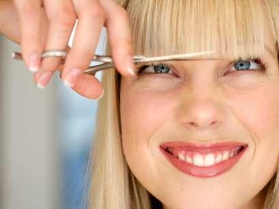 Ser notada com um novo corte de cabelo é motivo para melhorar o dia de boa parte das mulheres Foto: Getty Images