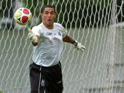 Goleiro não vem sendo aproveitado na Vila Belmiro Foto: Santos FC / Divulgação