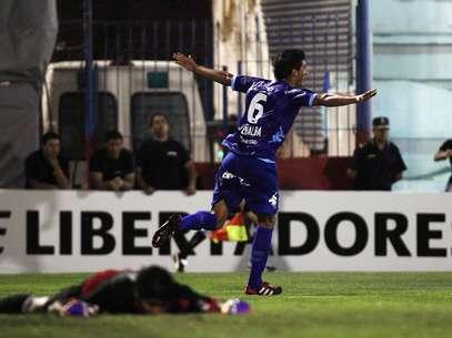 Peñalba (foto) e Leguizamón marcara os gols do time argentino, que venceu de virada em casa Foto: Reuters