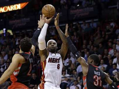 LeBron James had the 34th triple-double of his already storied NBA career.  Foto: AP in English