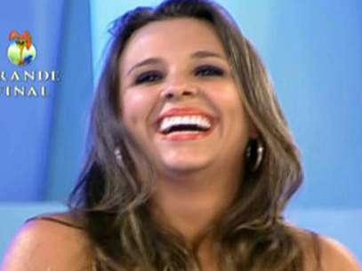 Para ganhar um reality show, participante precisa ter carisma, disse Rodrigo Faro em seu discurso para a campeã Angelis Foto: TV Record / Reprodução