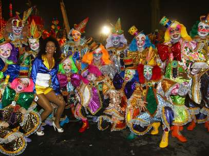 Integrantes da comissão de frente da Tucuruvi Foto: Marcos Bezerra / Futura Press