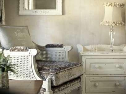 Espelhos podem conferir toque provençal à decoração Foto: Getty Images