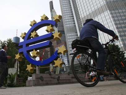 Euro banknotes are seen in this picture illustration taken in Prague January 21, 2013. Foto: David W Cerny / Reuters