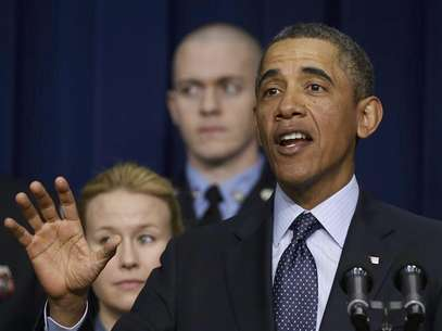 U.S. President Barack Obama talks against automatic budget cuts scheduled to take effect next week, while in the South Court Auditorium in the Eisenhower Executive Office Building in the White House complex in Washington February 19, 2013. Foto: Larry Downing / Reuters