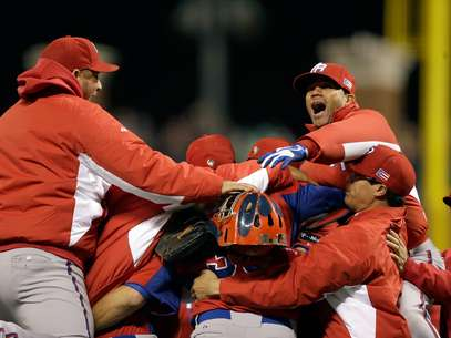 Puerto Rico players celebrate after beating Japan Foto: Getty