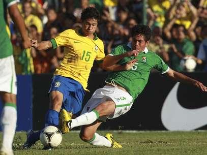 Osvaldo tentou mostrar serviço e abusou do individualismo Foto: AP