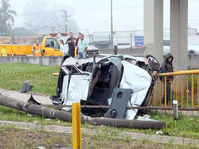 Quatro pessoas morreram e uma ficou gravemente ferida no acidente na Presidente Dutra Foto: Futura Press
