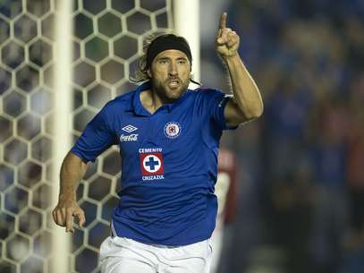Mariano Pavone es el goleador de Cruz Azul, con 10 anotaciones en la temporada regular y dos en la Liguilla. Foto: Mexsport