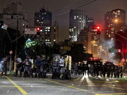 A Polícia Militar reprimiu o protesto da noite de ontem com violência Foto: Fernando Borges / Terra