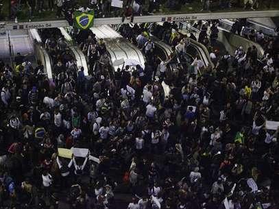 A prefeitura de São Paulo reforçou a segurança da Guarda Civil Metropolitana no novo protesto desta noite Foto: Gabriela Biló / Futura Press