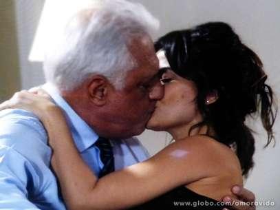 Aline quer vingar a morte de sua mãe Foto: Globo/Divulgação
