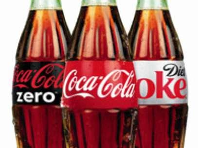 Coca-Cola terá de indenizar em R$ 14.480uma consumidora que encontrou fungos dentro de uma garrafa do refrigerante Foto: Divulgação