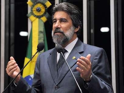 Presidente do PMDB, Valdir Raupp,pediu respeito no diálogo entre os partidos Foto: Agência Senado